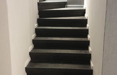 חיפוי מדרגות עם אבן ציפחה דקה